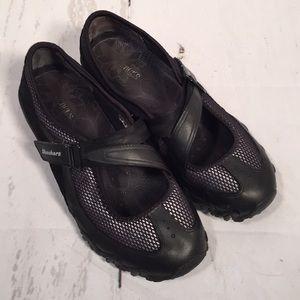 Skechers sneakers. Black. Size 9